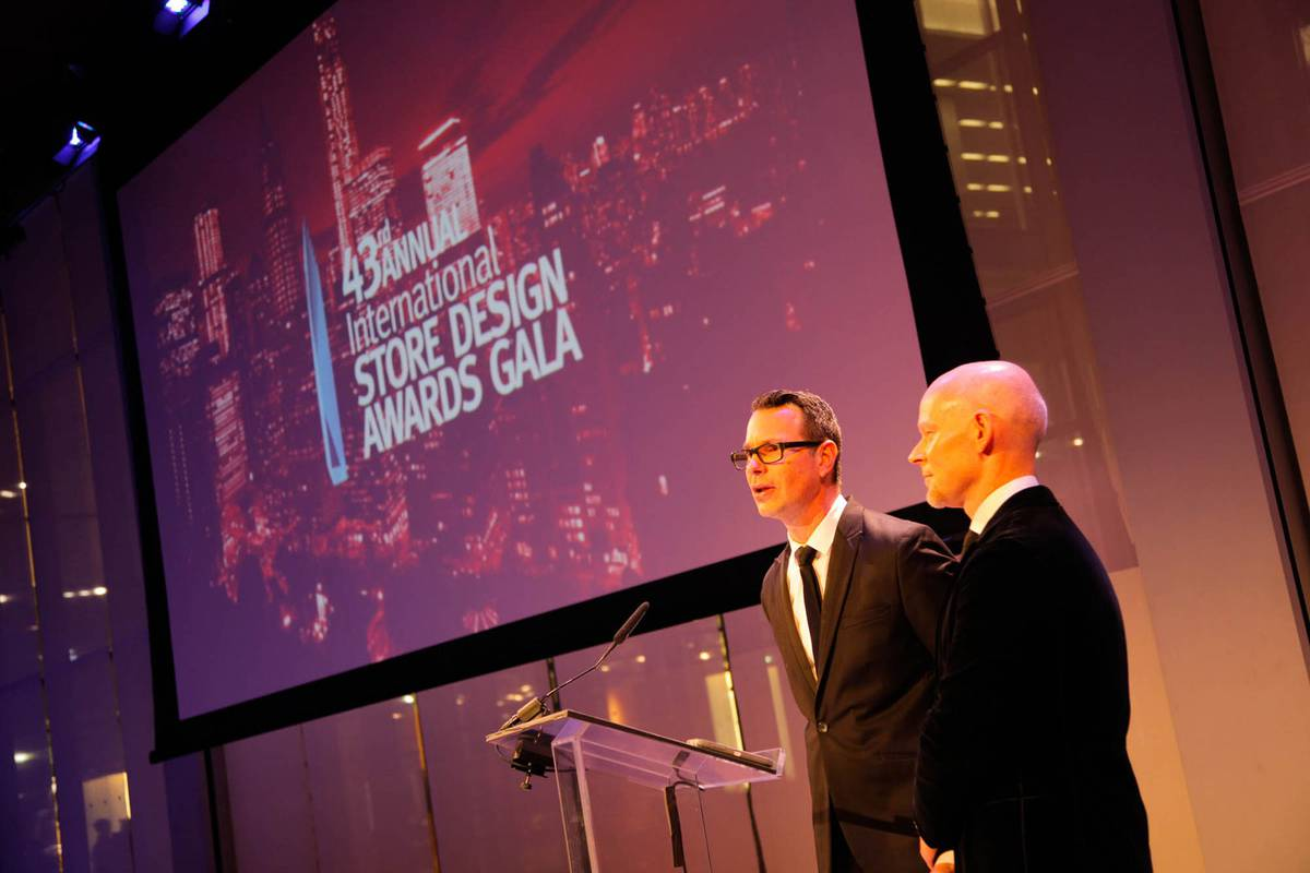 RDI Award Winner - Patagonia and Tommy Bahama - Architect: Neumann & Rudy