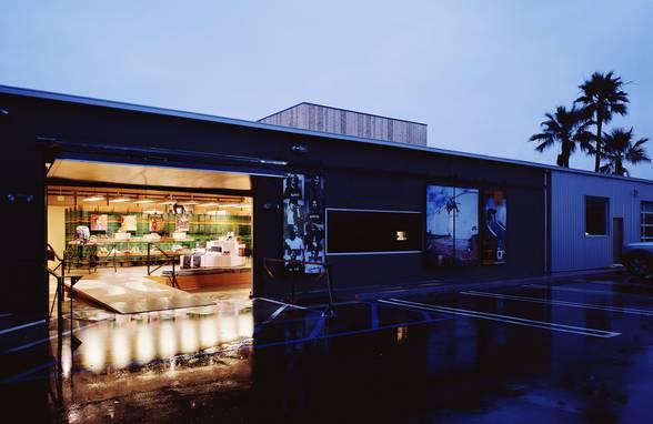 Hurley, Costa Mesa, California - Architect: Neumann & Rudy