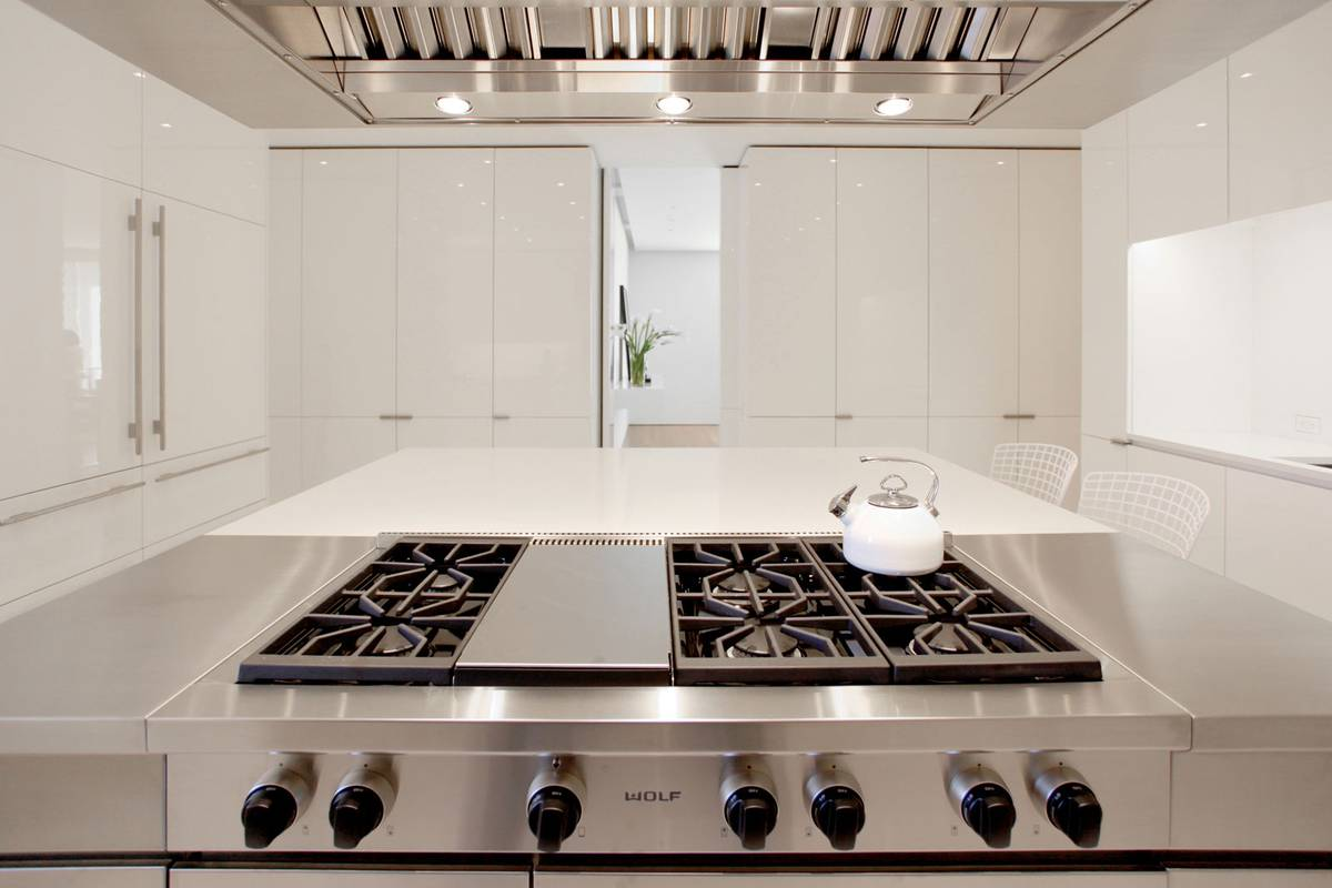 Fifth Avenue Kitchen, New York, NY - Architect: Neumann & Rudy